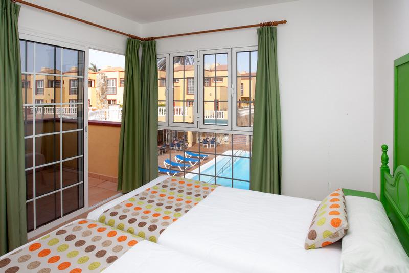 Habitaciones y suites maxorata beach hotel en corralejo for Hotel con piscina en la habitacion